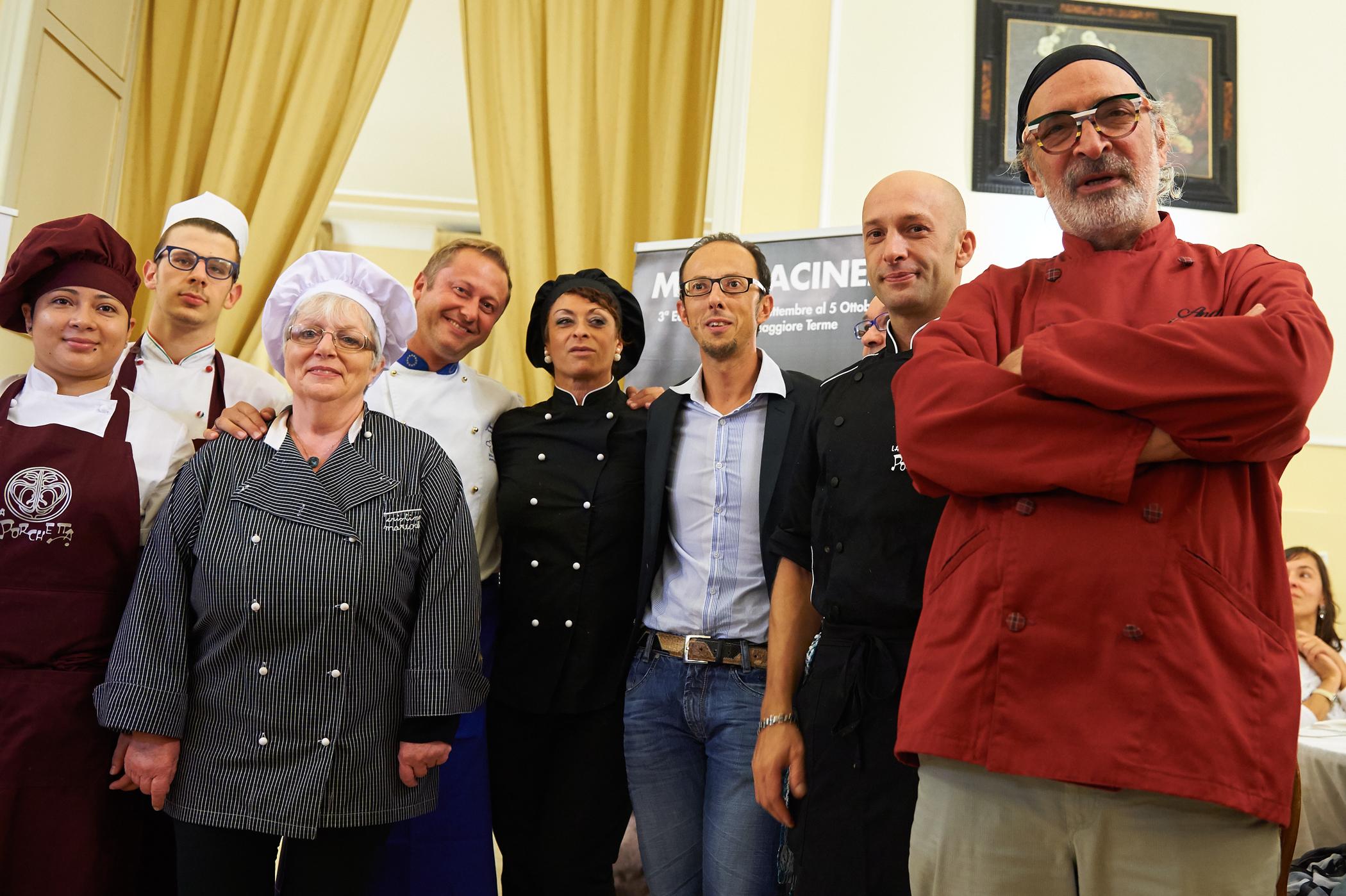 I protagonisti della cena di gala pro Amatrice: Andy Luotto, Edoardo Craviari, Daniele Persegani, lo staff di Golosia e del Magnaghi